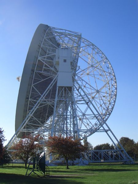 ファイル:Lovell Telescope 1.jpg