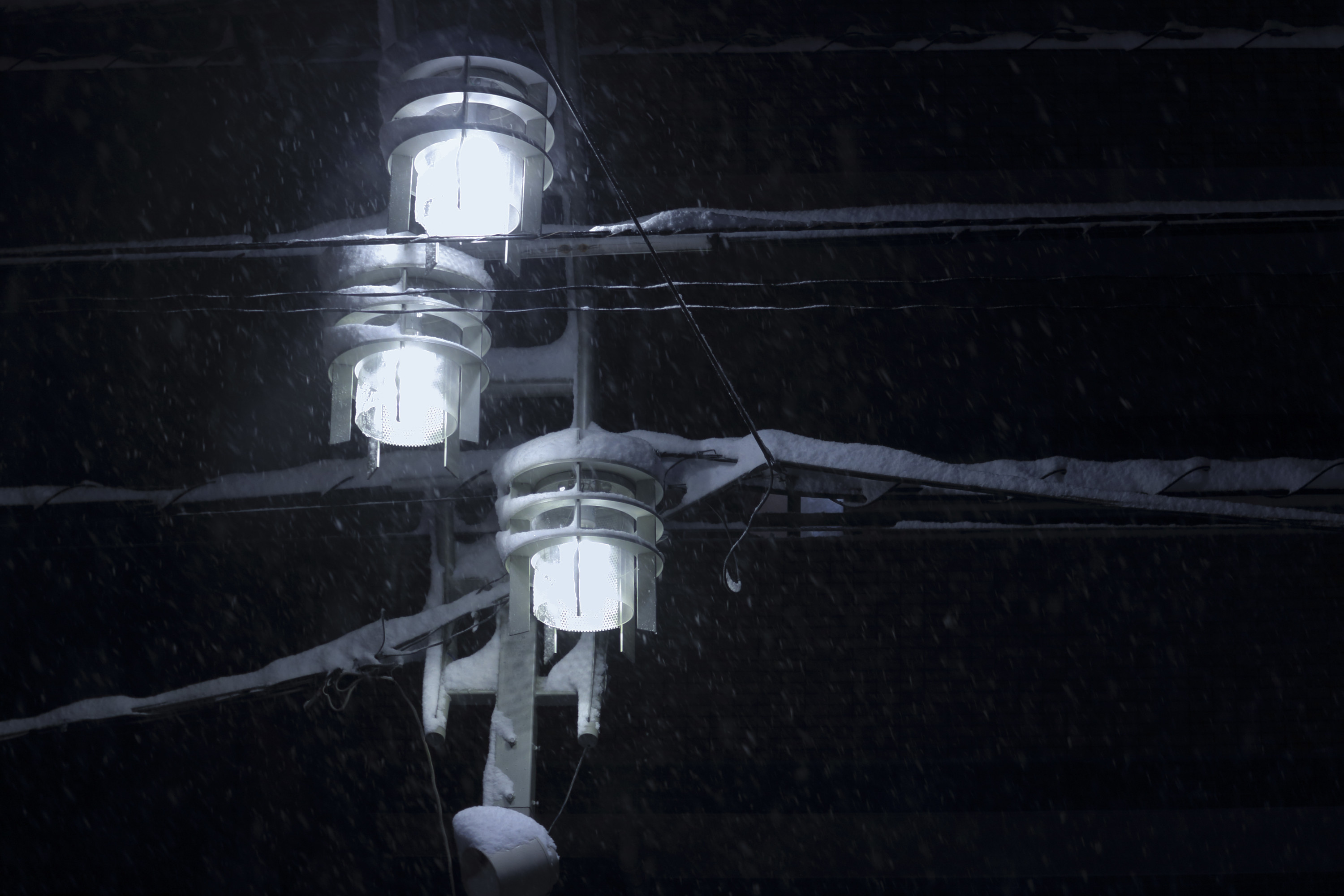 lighting-in-the-snowstorm-001